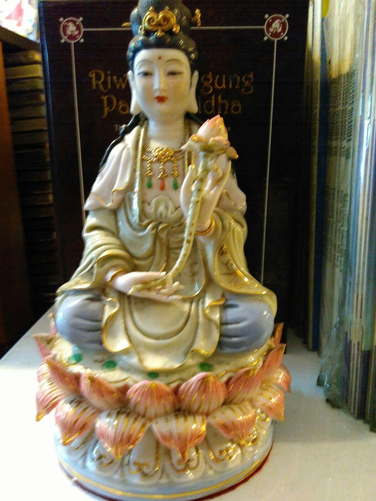 Jual Patung Dewi Kwan Im Keramik | dhammamanggala